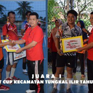 Camat Serahkan Piala dan Uang Pembinaan Kepada Pemenang Camat Cup Kecamatan Tungkal Ilir Tahun 2018
